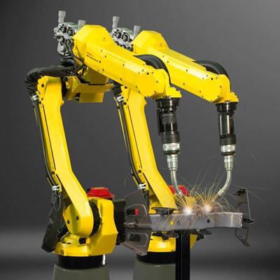 שני רובוטים לריתוך FANUC