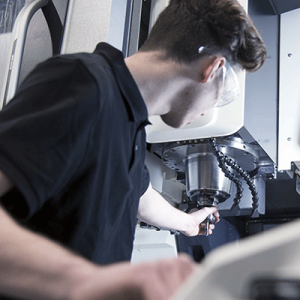 שירות מכונות CNC תמיכה FANUC בקרה כרסומת מחרטה RENISHAW