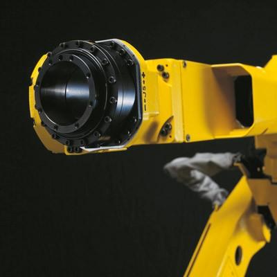 רובוט ריתוך FANUC עם זרוע חלולה